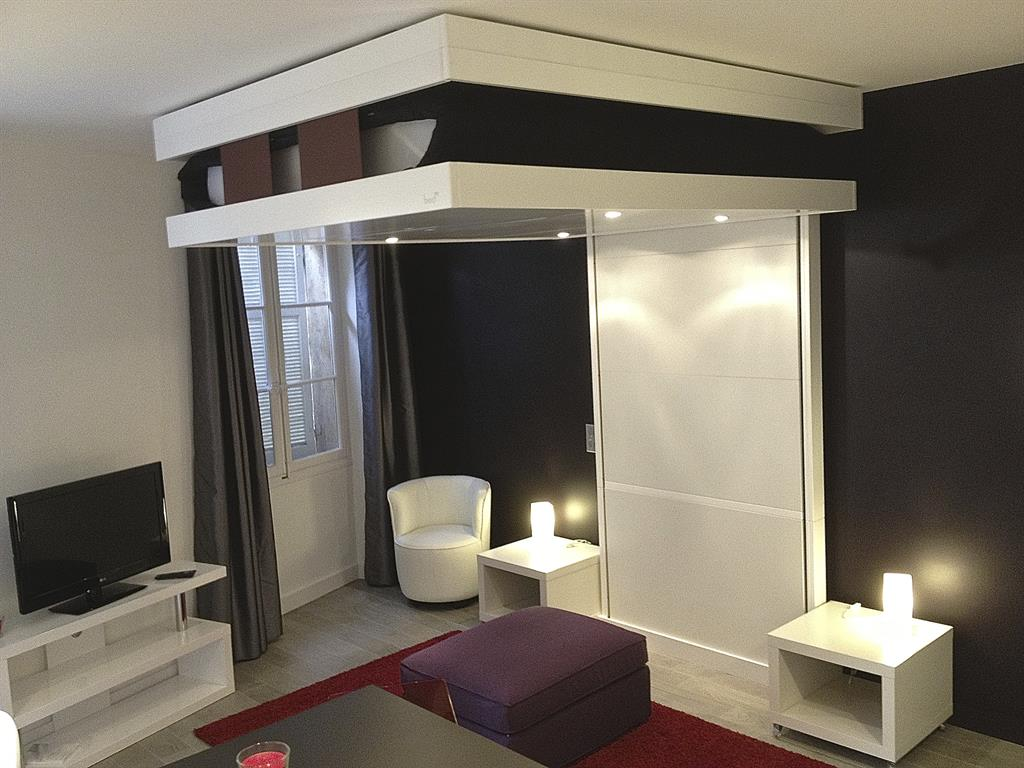 cannes appartements comment meubler un petit studio cannes appartements. Black Bedroom Furniture Sets. Home Design Ideas